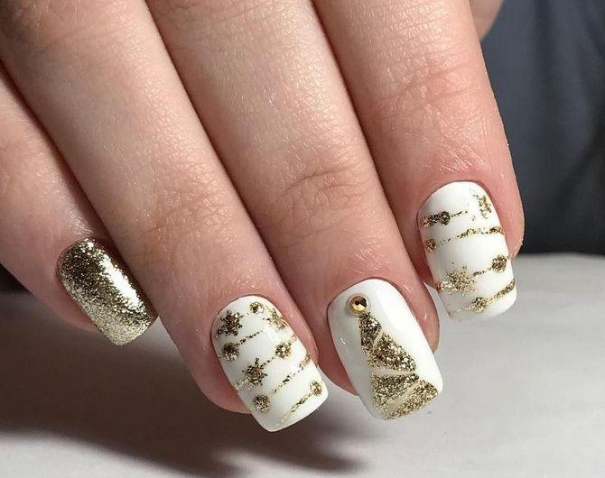 белый маникюр с блестками