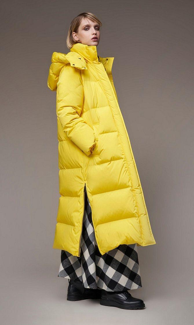 желтый женский пуховик