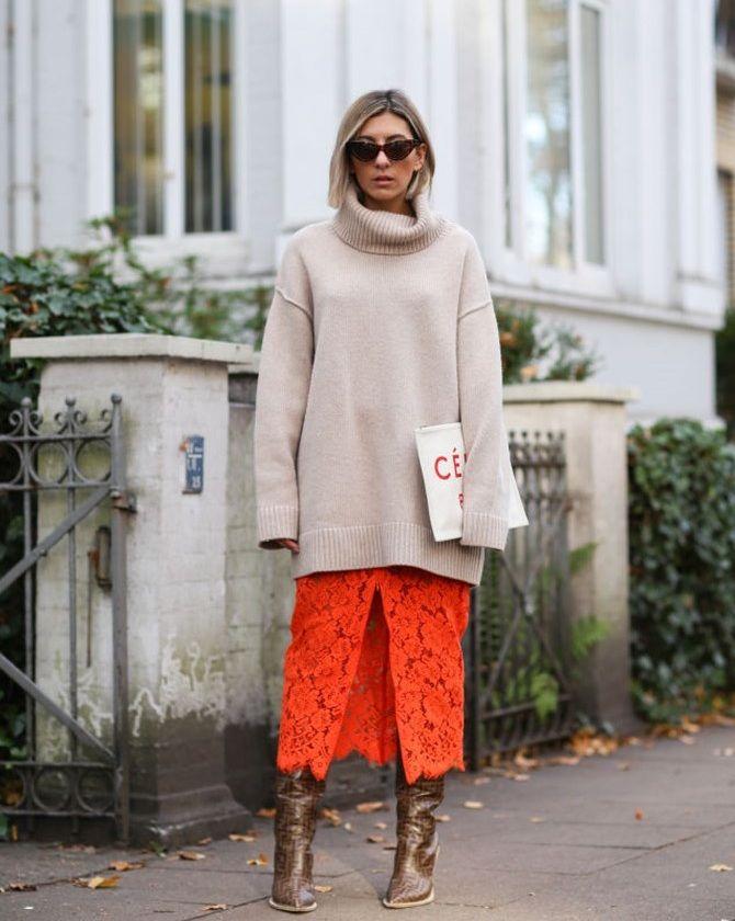 Платье со свитером: