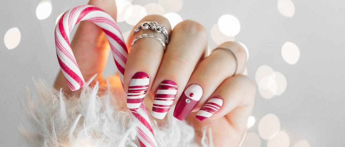 Beautiful manicure for the New Year 2021: best festive nail art designs
