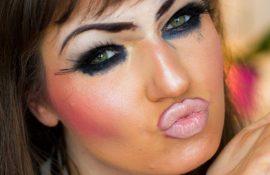 Не стоит делать! 13 примеров самого неудачного макияжа, от которого становится страшно