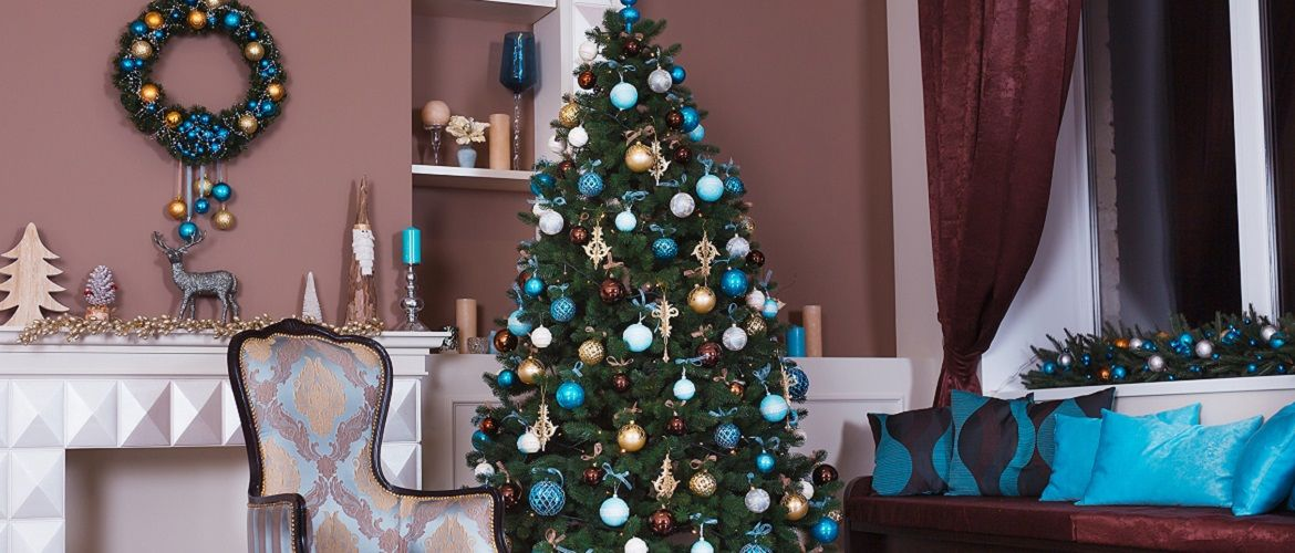Decorating a Christmas tree in 2021: ideas for stylish decor of a green beauty