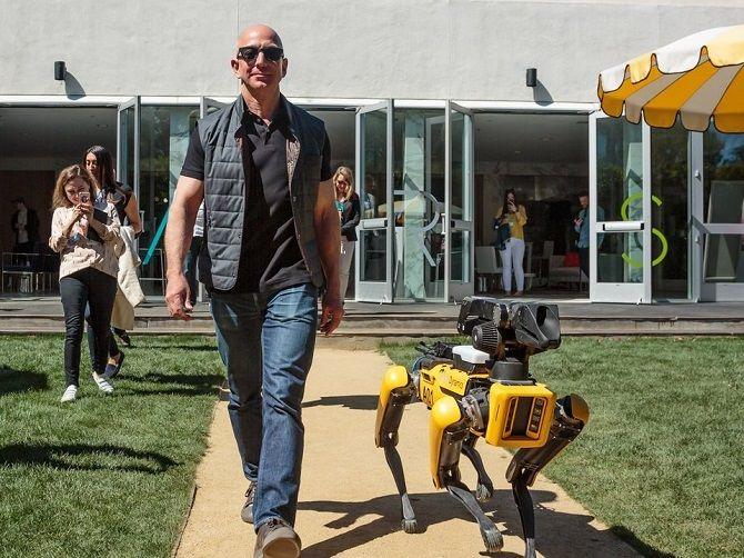 Джефф Безос и Робот-собака Atlas Boston Dynamics