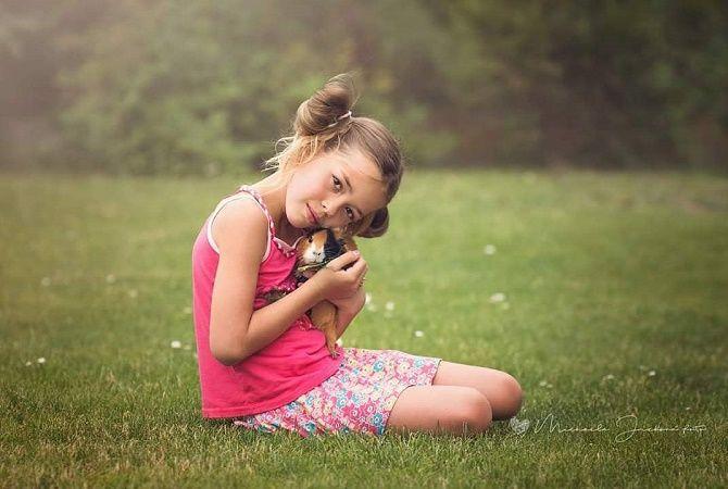 дівчинка з хомяком