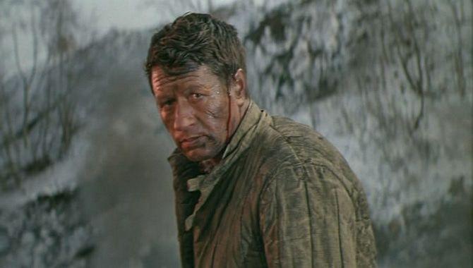 Леонид Быков в роли ефрейтора Святкина