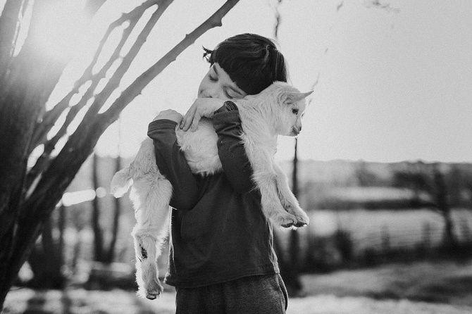 дівчинка з козой