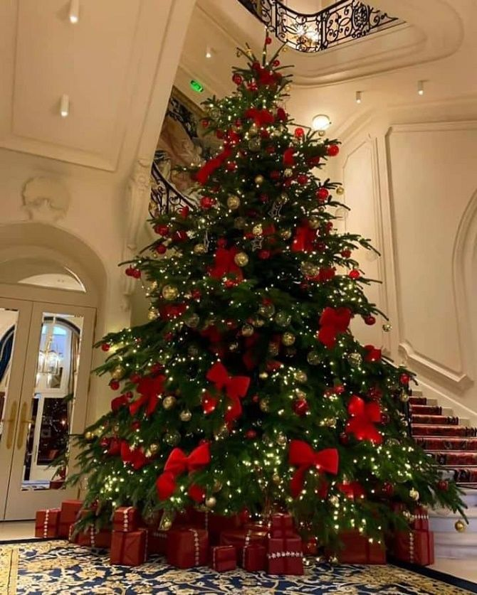 елка на новый год 2020