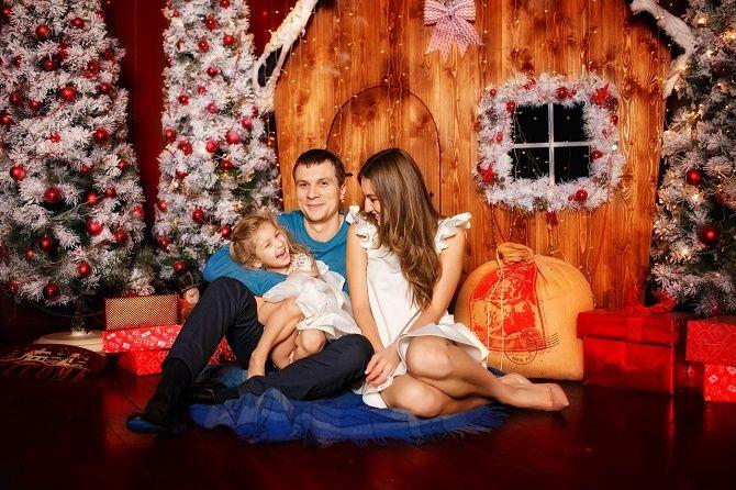 образи для новорічної фотосесії сім'я
