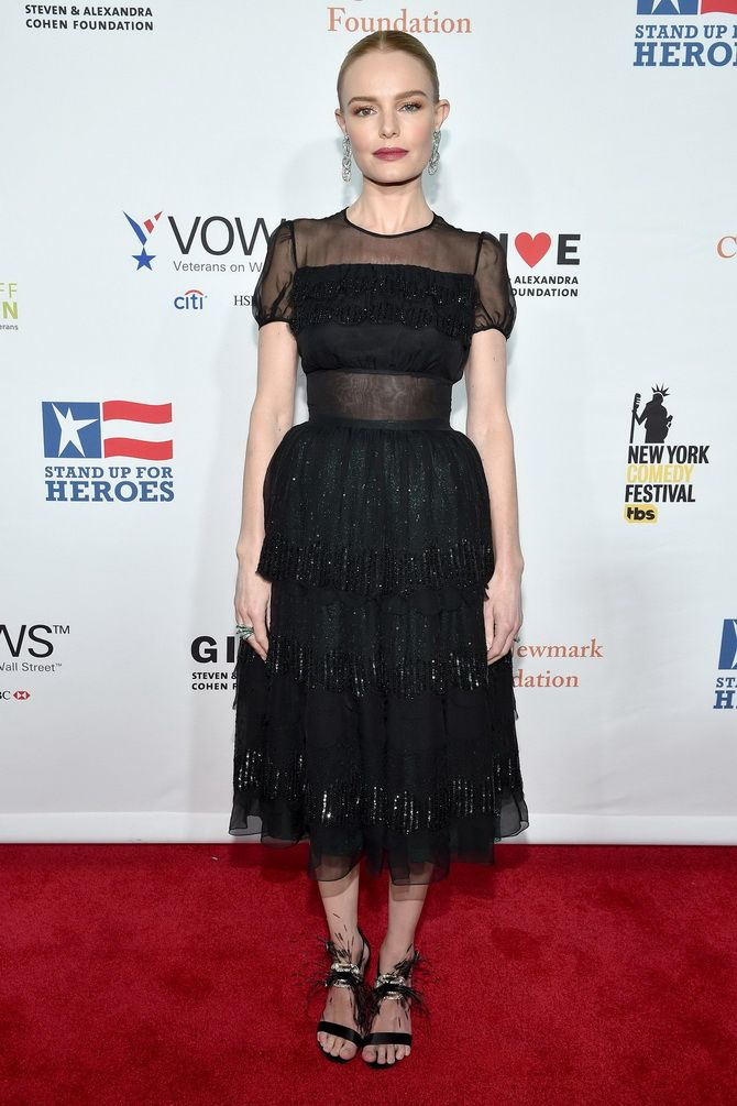 Кейт Босуорт в черном платье