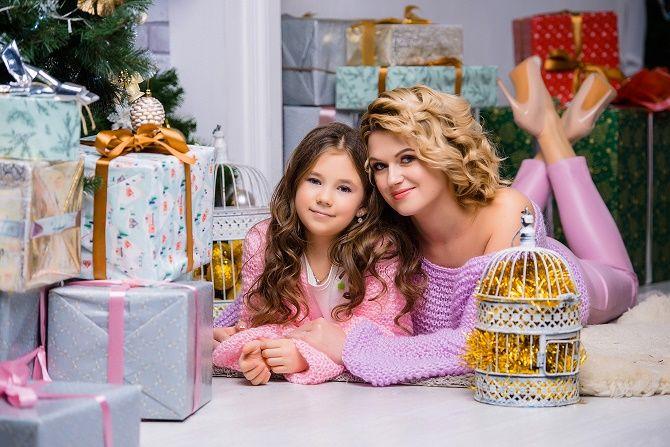 новогодняя фотосессия с мамой и дочкой