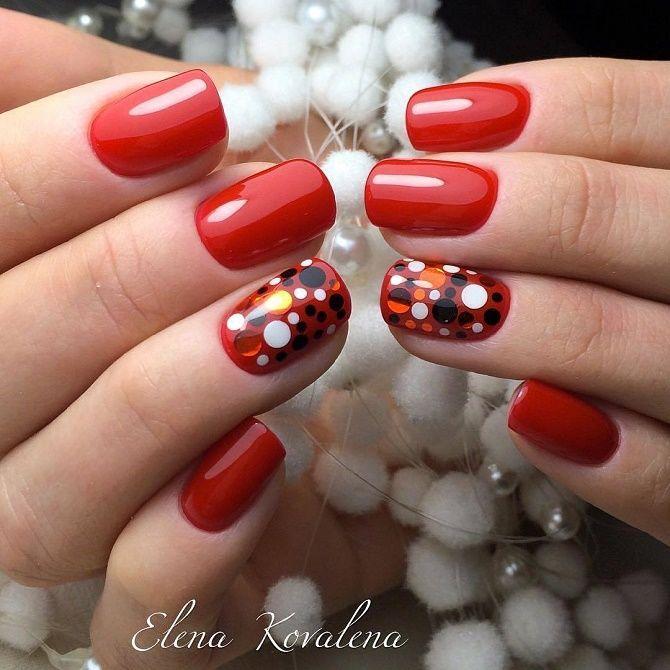 модный красный новогодний маникюр