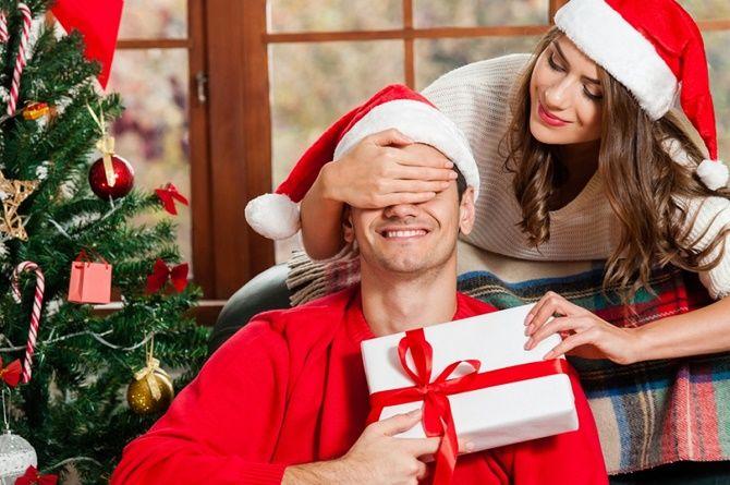 образи для новорічної фотосесії чоловік та дружина