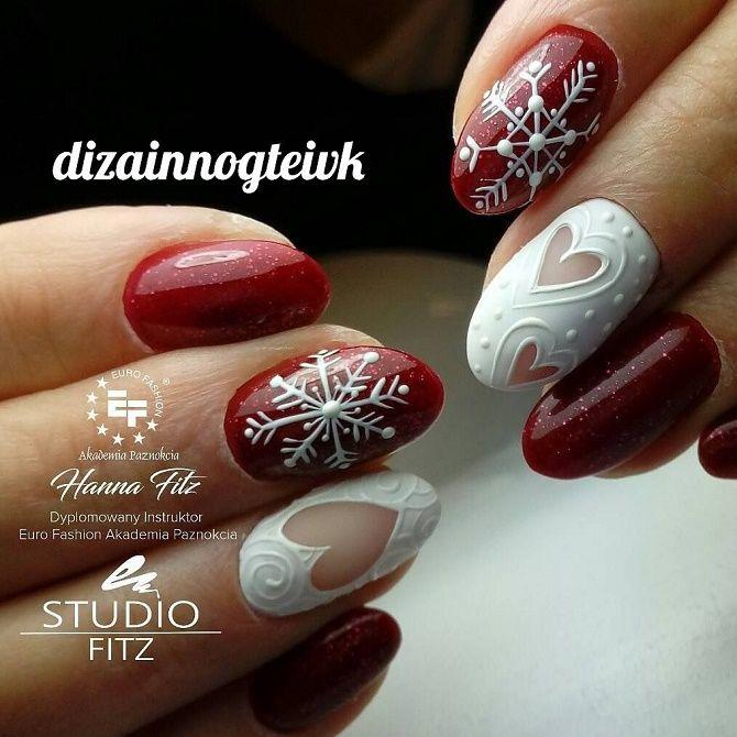червоний новорічний манікюр на короткі нігті