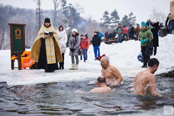 прорубь на крещение