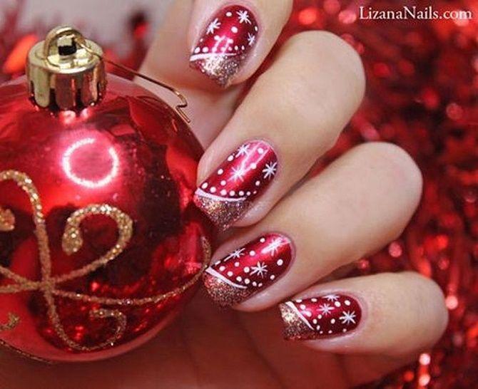 новорічний манікюр червоний