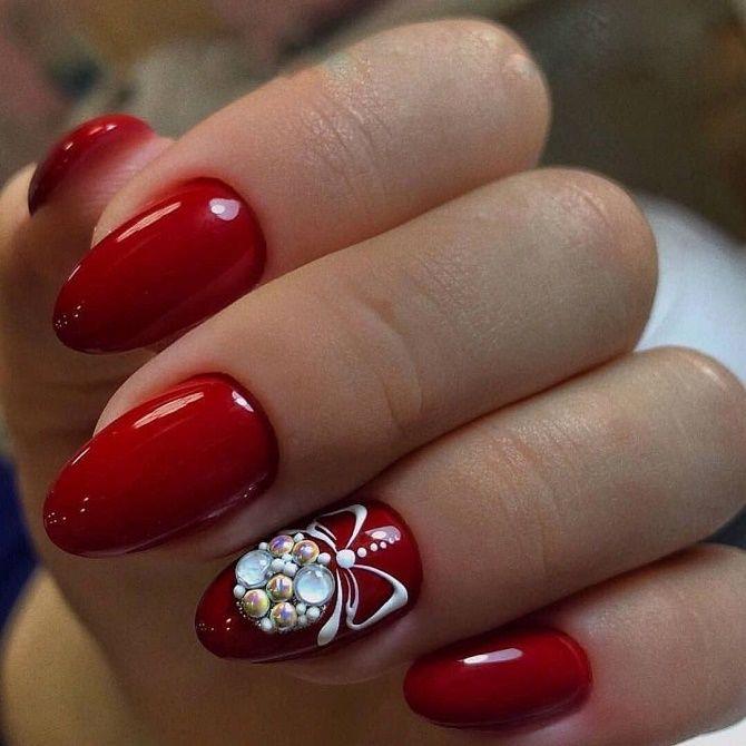 новорічний червоний манікюр