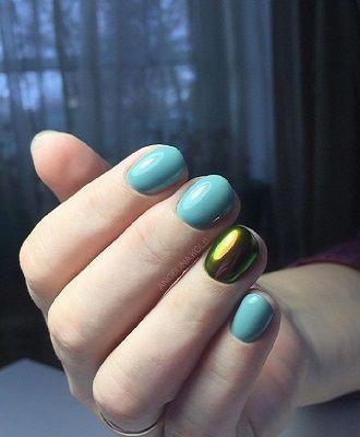 Новогодний маникюр 2021 на короткие ногти: новые варианты на любой вкус 36