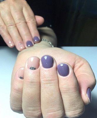 Новогодний маникюр 2021 на короткие ногти: новые варианты на любой вкус 34