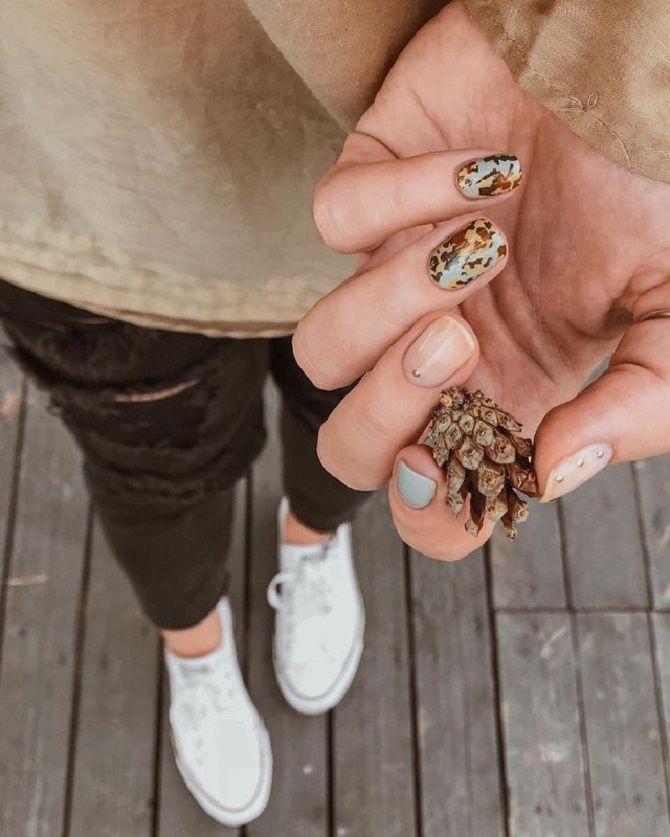 Новогодний маникюр 2021 на короткие ногти: новые варианты на любой вкус 24