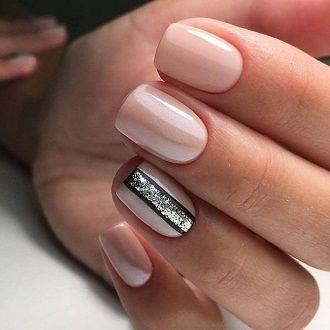 Новогодний маникюр 2021 на короткие ногти: новые варианты на любой вкус 25