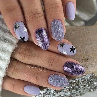 Новогодний маникюр 2021 на короткие ногти: новые варианты на любой вкус 29