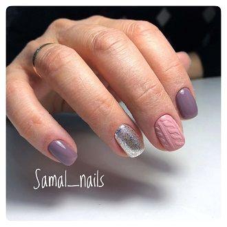 Новогодний маникюр 2021 на короткие ногти: новые варианты на любой вкус 27