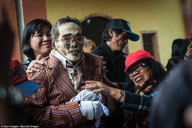 манене в индонезии