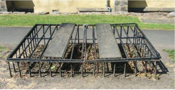 старинный Сейф для гробов