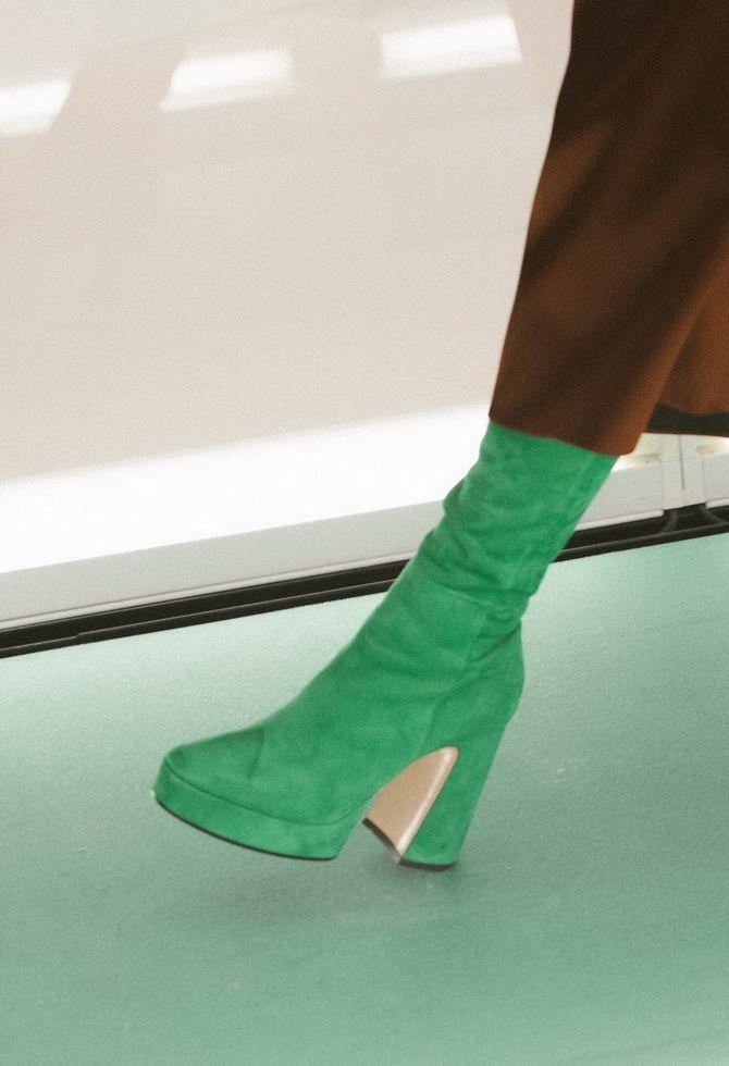 Кольорові чоботи