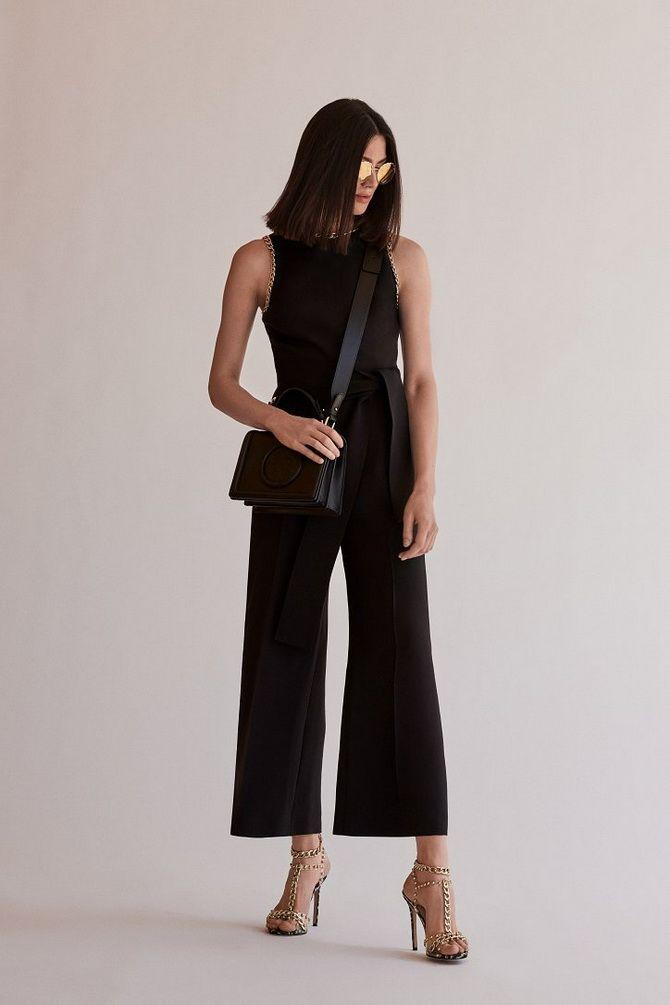 женщина брюки