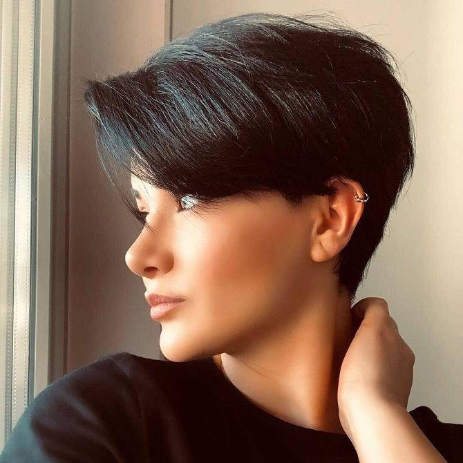 Stylish women's haircut for short hair 2020