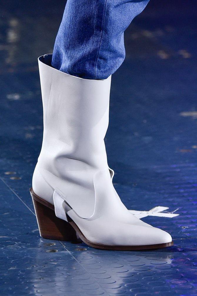 Білі чоботи