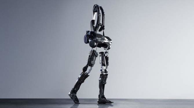 Exoskeleton controlled by the brain