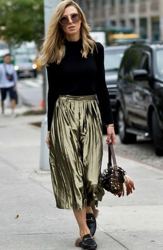 шелковые юбки из блестящей ткани
