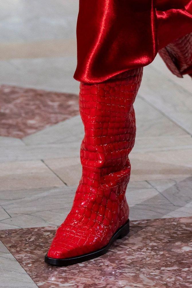 червоні чоботи
