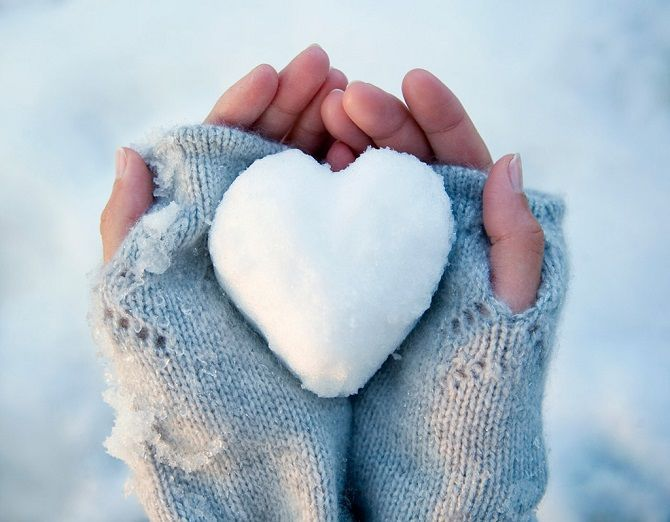 сердечко из снега