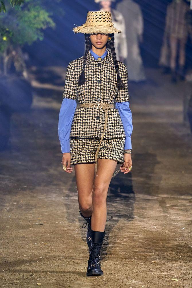 шорти від  Christian Dior
