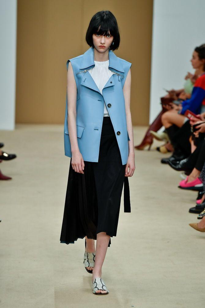 Пальто из голубой кожи