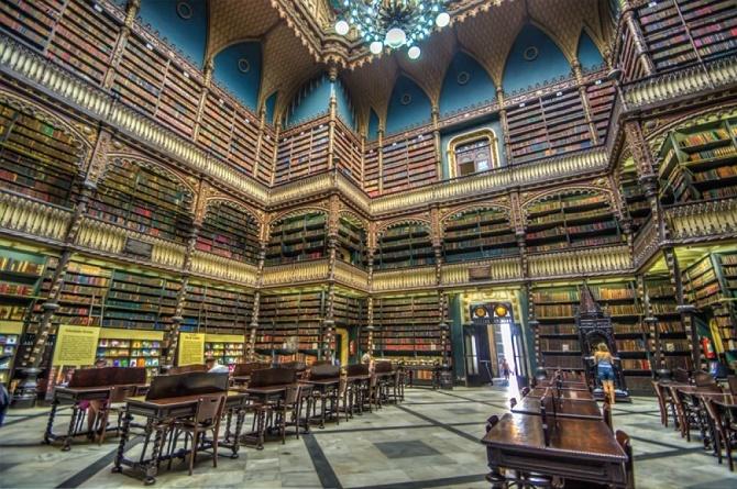 10 уникальных библиотек мира, в которых замираешь от восторга 3