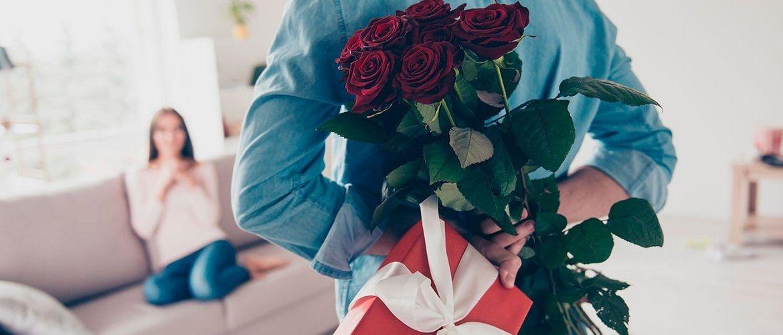 Что подарить на 8 марта 2020: оригинальные подарки девушке, жене, маме или подруге