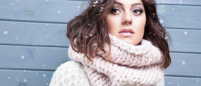 Зимние забавы: самые модные шарфы 2020 года