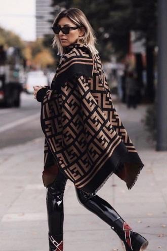 Зимние забавы: самые модные шарфы 2020 года 3