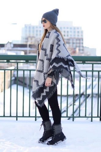 Зимние забавы: самые модные шарфы 2020 года 4