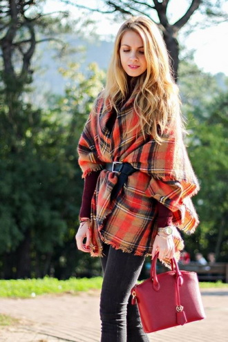 Зимние забавы: самые модные шарфы 2020 года 10
