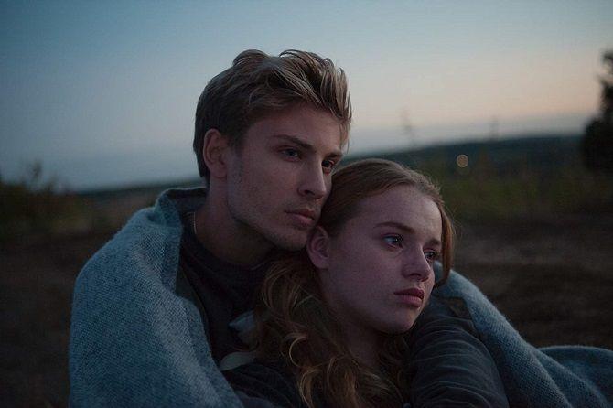 Фільм Так близько до горизонту2019