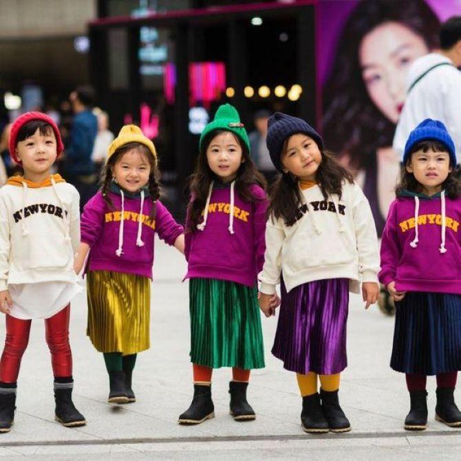 яскравий одяг для дітей