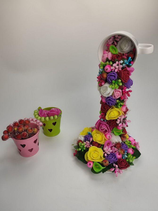 парящая чашка с цветами своими руками