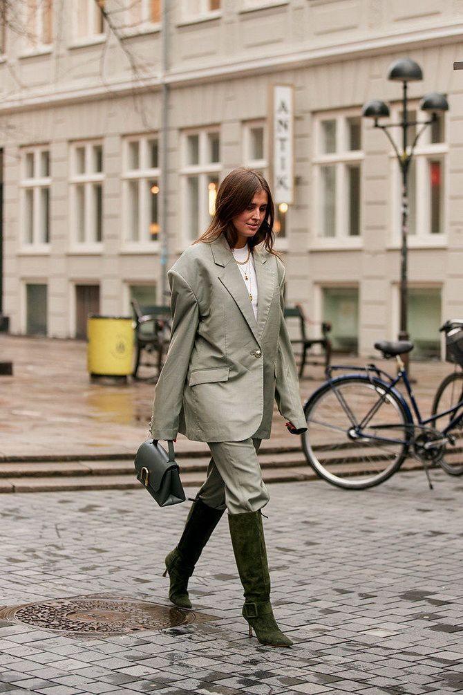 женские сапоги +на каблуке