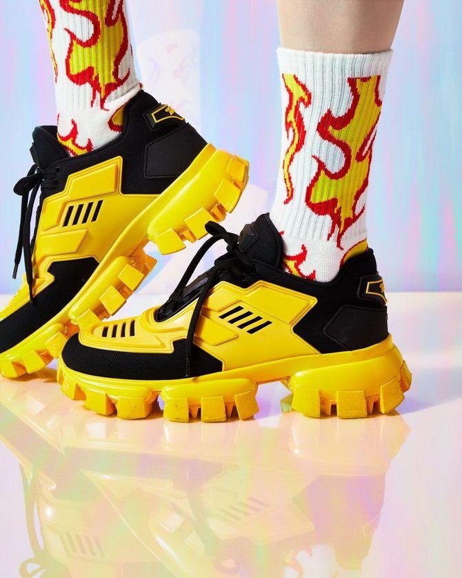 модні жовті кросівки
