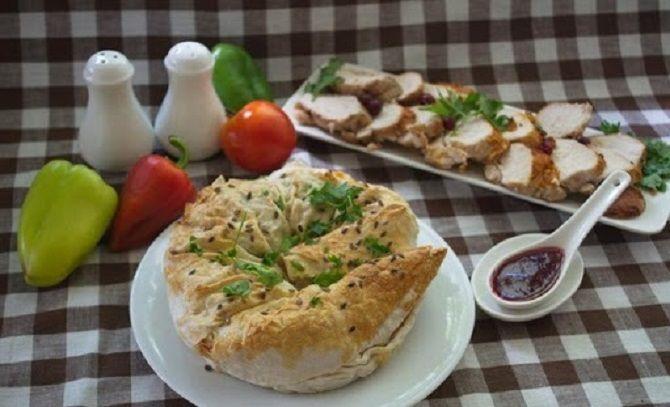 Пиріг з лаваша з горошком і сиром